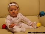 Bebelus la 9 luni – dezvoltarea psihomotorie a copilului de 9 luni