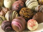"""Daca mananci multe dulciuri, organismul tau are """"gena foamei"""""""