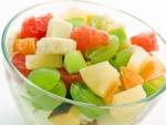 Cum se prepara o salata de fructe sanatoasa?