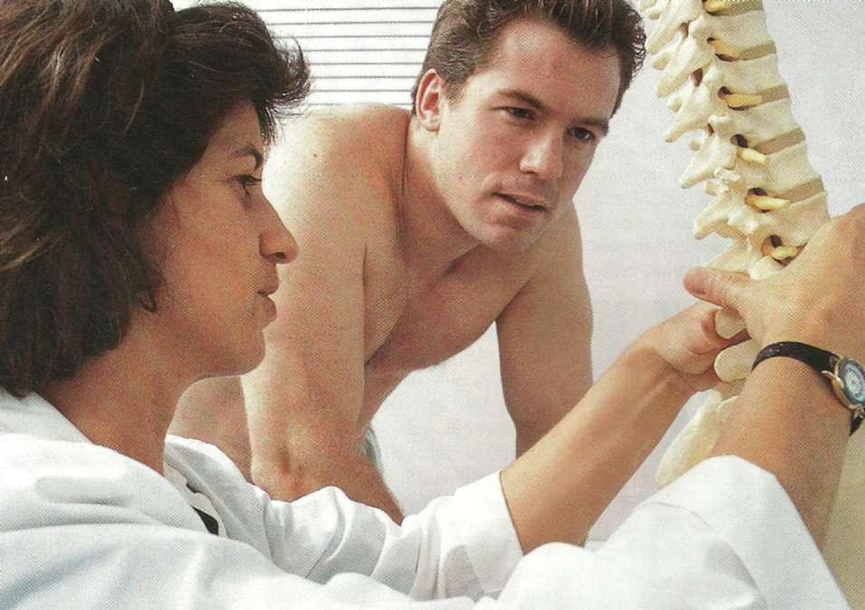 Cum sa puna tencuieli de mu?tar in durerile de spate