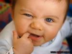 Cum scapati copilul de durerea eruptiilor dentare