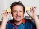 Ce iti recomanda expertul Jamie Oliver sa bei dimineata?